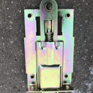 Защелка двери